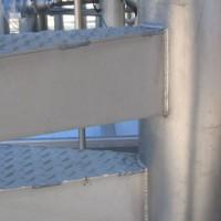 Barandilla para escaleras de caracol, realizadas en tubo curvado de 23. Acabado mate